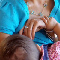 7 Benefits of Extended Breastfeeding For a Baby With Food Allergies