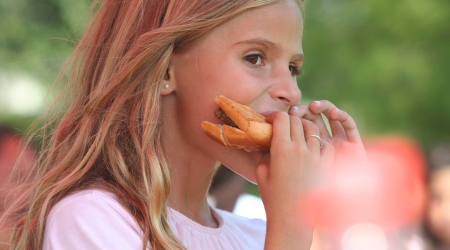 Why Kids Should Never Share Food At School, Even If They Think it's Safe